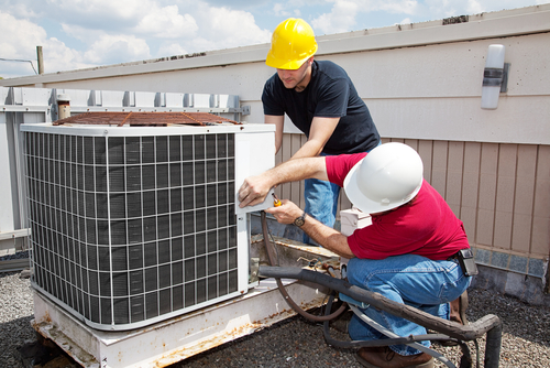 Florida Air Conditioning Contractor Performing a Roof-top Installation