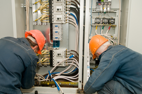 Electrical Contractor in Florida Installing Electrical Panel